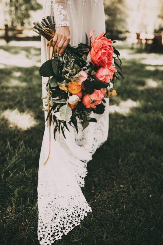 Vía: Junebug Weddings. Fotografía: India Earl.
